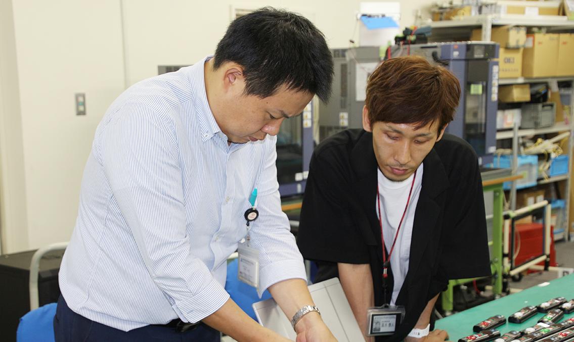 UNIQUE, CREATIVE, PROGRESSIVE 業界に先駆けるアイディアと日本のものづくりで物流に革新を。